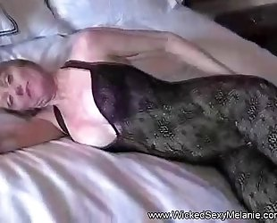 Mom lets son creampie her