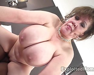 Cougar does 1st interracial dark schlong episode