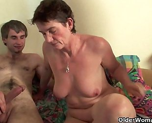 Highly sexed mommy can't live without anal sex