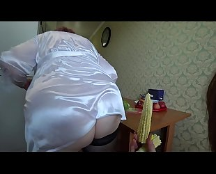 A girlfriend fucks a busty milf, her big ass shakes, and a strong pussy breaks the cob of corn, lesbians pov.