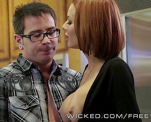 Veronica avluv receives drilled by her stepson