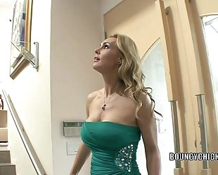 Mature whore tanya tate bonks and takes the cum on her titties