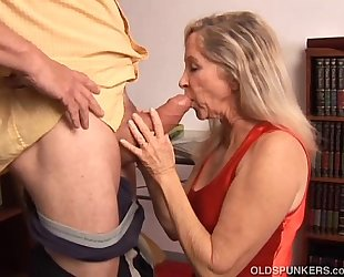 Beautiful older blonde has a very hot body and is a hot fuck