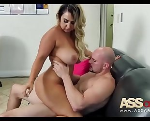 Amateur curvy housewife nina kayy