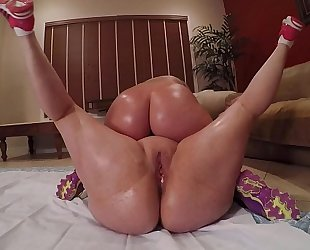 Wrestling pawgs marcy diamond & virgo large ass receives pummeled at the end